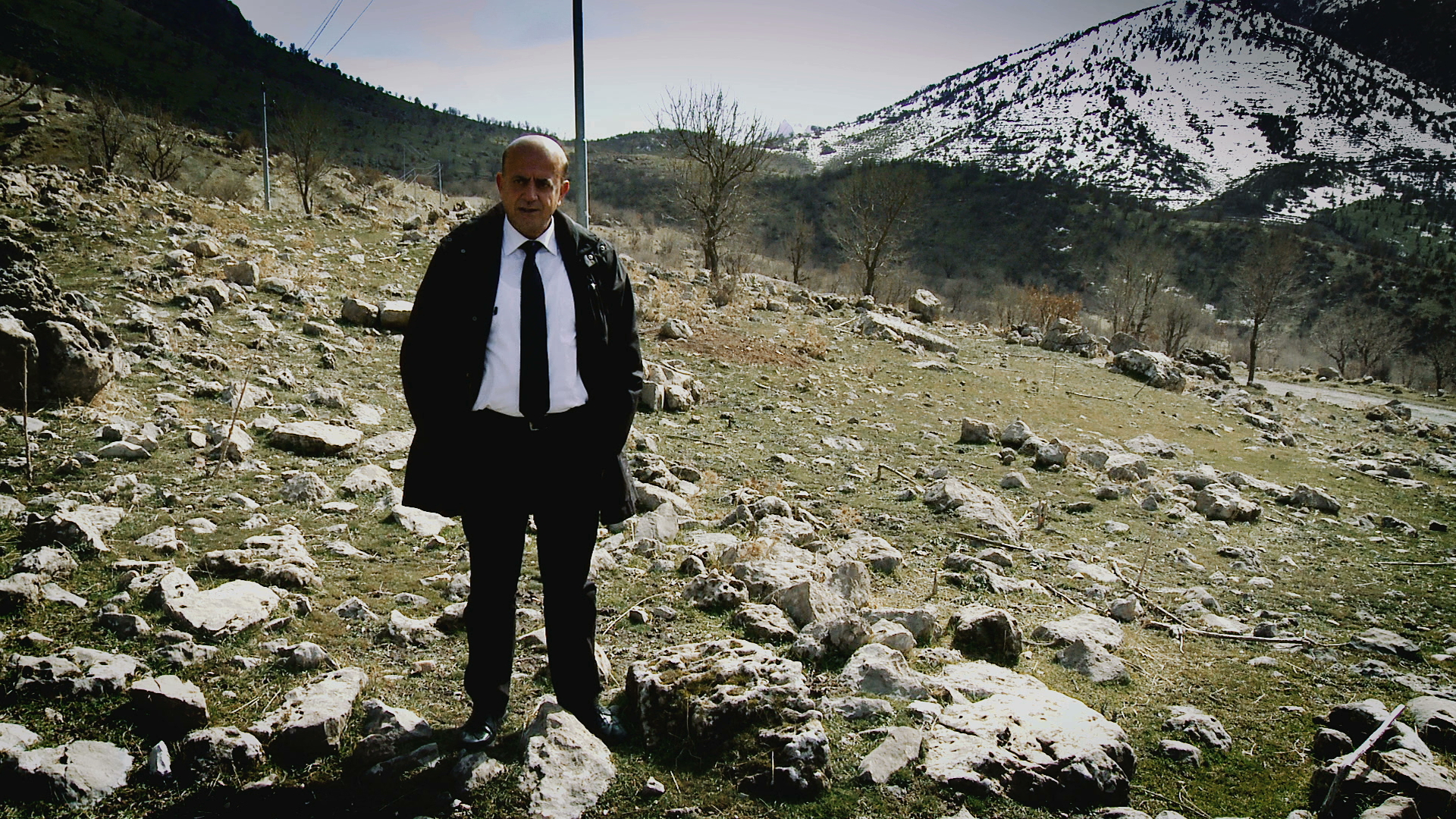 SHORESH HAJI MUSTAFA RASOOL relates the nightmare of fleeing towards Iran in March 1988 in deep snow, after the Iraqi regime's gas attack on the PUK headquarters in the Jafati valley. In the mountains, he saw hundreds of frozen animal carcasses, elderly people abandoned by their relatives and a woman giving birth in the snow. This gave him hope for Kurdistan's future.