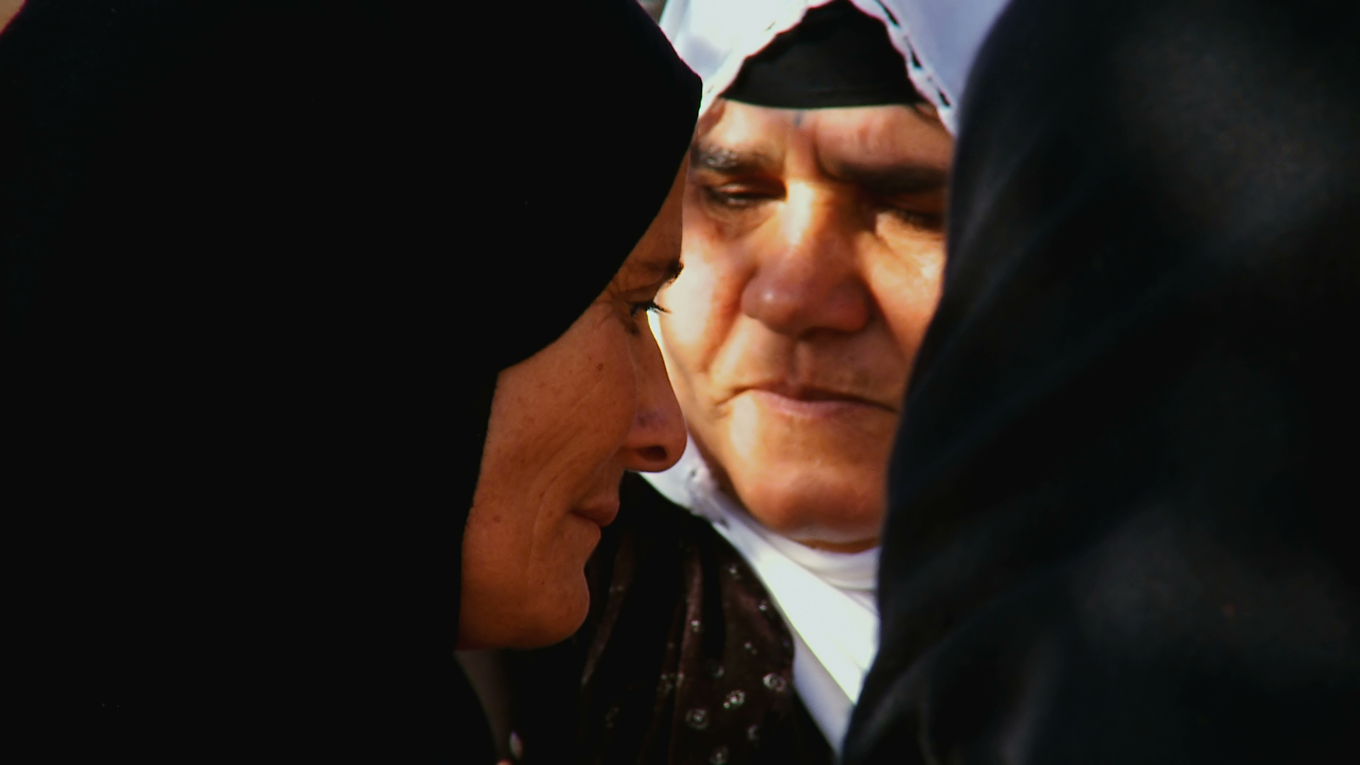 After the Third Anfal in 1988, ASMAR MOHAMMED JABAR and many women from Mahabaram village had to survive without their men who had been executed by the Iraqi army. She returned to the village to rebuild her house, brick by brick, and to try to come to terms with her grief.